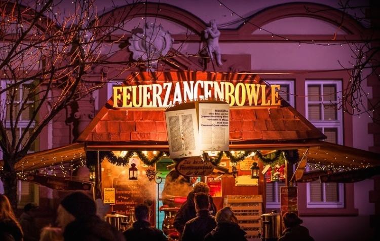 _PMZ4312-20141208-Mainz_WeihMa_Feuerzangenbowlestand_Liebfrauenplatz_BL_900px