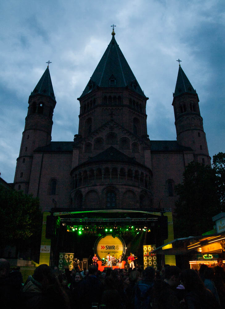 Schlager behind the cathedral.