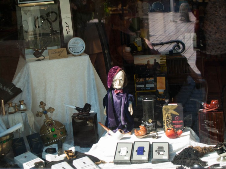 Wagner-windows. Here, a tobacco shop with tiny Wagner doll. Cute, oder?
