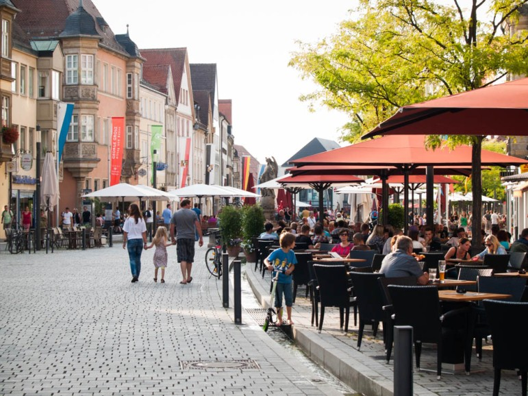 Festival atmosphere--open-air cafés, cappuccinos and ice-cream and late-afternoon walks.