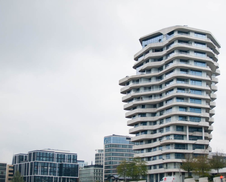 "Cutting-edge new architecture in the so-called Harbor City. Apparently the German Schlager-singer Helene Fischer has an apartment there. ""With her boy-toy,"" as the pilot informed us."